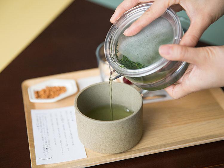 <126>ハンモックでゆったり日本茶を 「ニュータウン ニュータウン」