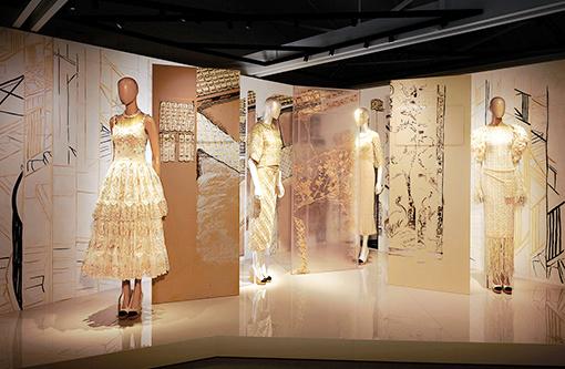ブランドの神髄、多層的に カルティエ、シャネル、エルメスの展覧会