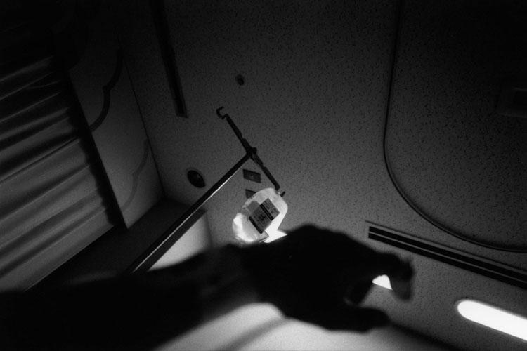 """静けさの中、浮かび上がる境界線 野村佐紀子 写真展 """"GO WEST"""""""