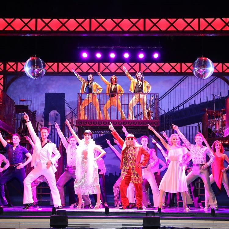 ダンスが織りなす青春ドラマ ミュージカル「サタデー・ナイト・フィーバー」