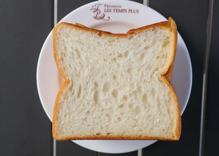 美しいケーキ×総菜パン×イートインが共存する行列店/レタンプリュス