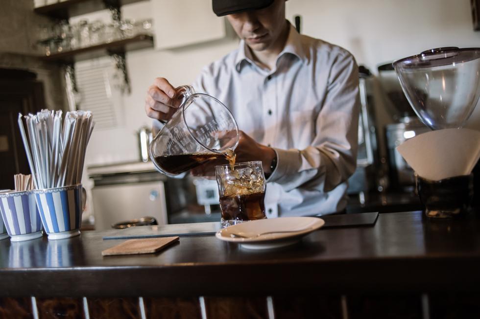 淹れたてでも、冷めてもベストバランスを 半地下の手作り空間「SJO COFFEE」