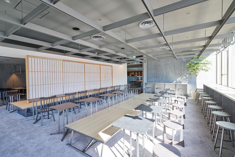 原宿の新駅舎に「猿田彦珈琲」の大型店がオープン