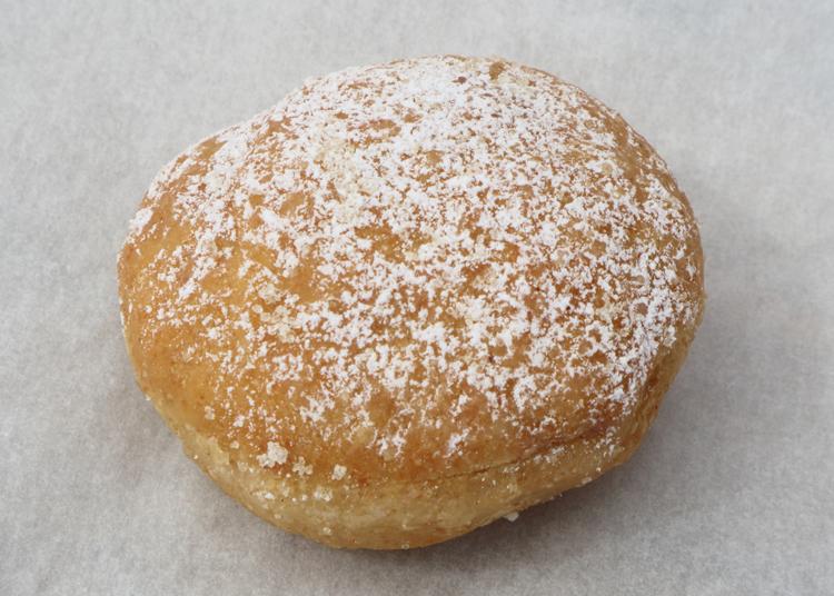 ここはどこ? かむほどに小麦の滋味深まる「アプフェルブロート」に「メアコルンブロート」/フライベッカーサヤ