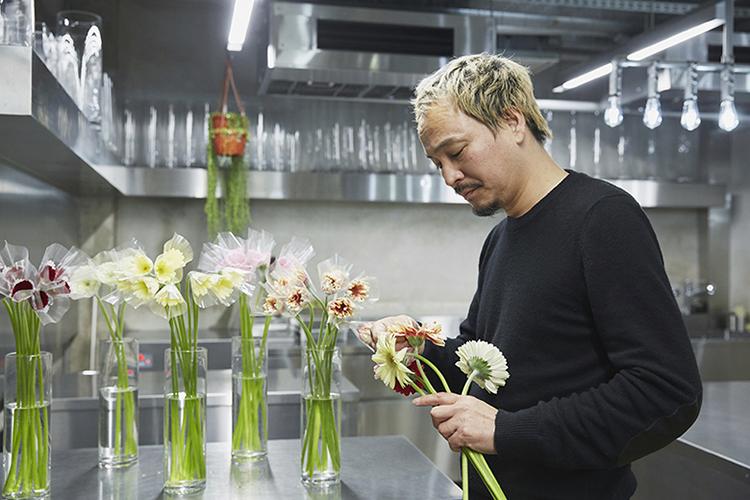 フラワーアーティスト東信さん「花とチョコレートで、優しさとエールを贈る」
