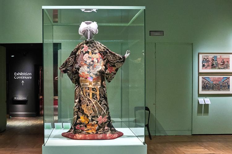 キモノの世界、過去・今・未来 英ビクトリア&アルバート博物館で企画展