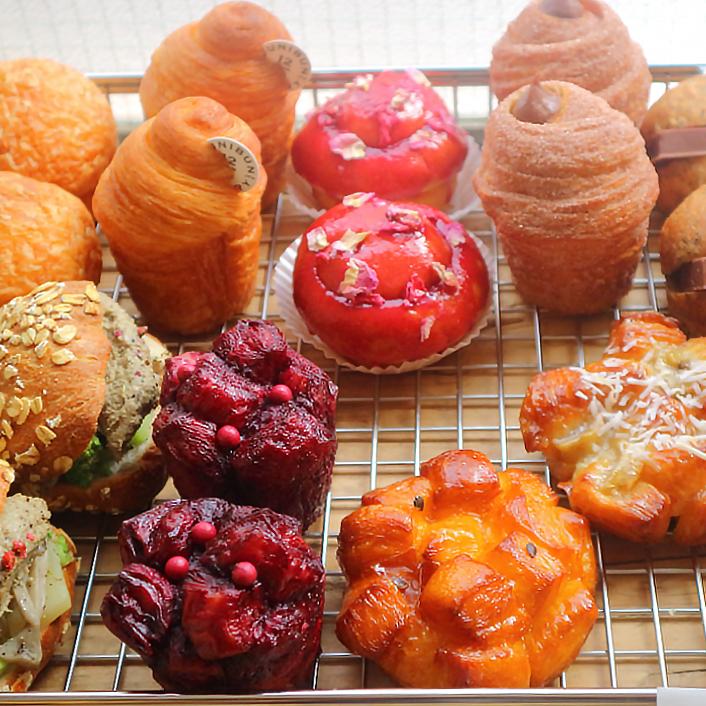 パン、コーヒー、ケーキ、すべてを深掘り。杉窪シェフの新店は「世界基準」/ジュウニブン ベーカリー