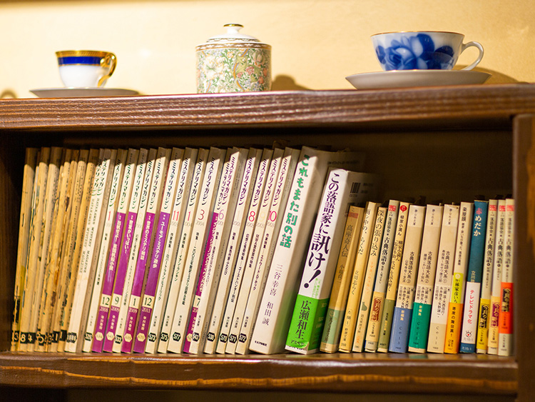 〈141〉500冊の本と極上コーヒーを24時間楽しめる「珈琲貴族エジンバラ」