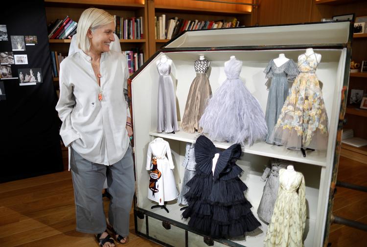 ディオールがミニチュア版ドレスで魅了 コロナ禍のパリ・オートクチュール