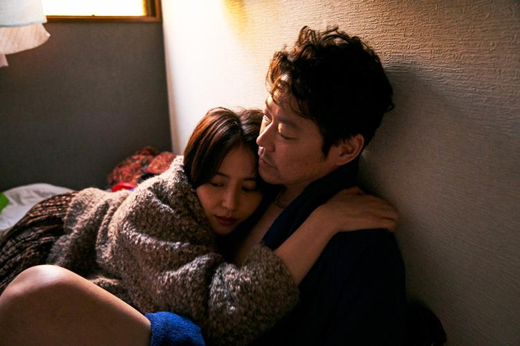 """生活習慣を変えて挑んだ。長澤まさみさんがまとう、""""だらしない女""""の空気感"""