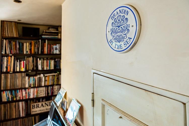 サザンオールスターズの名付け親が描く、ゆるく自由な次の価値観 茅ケ崎のカフェ「BRANDIN」
