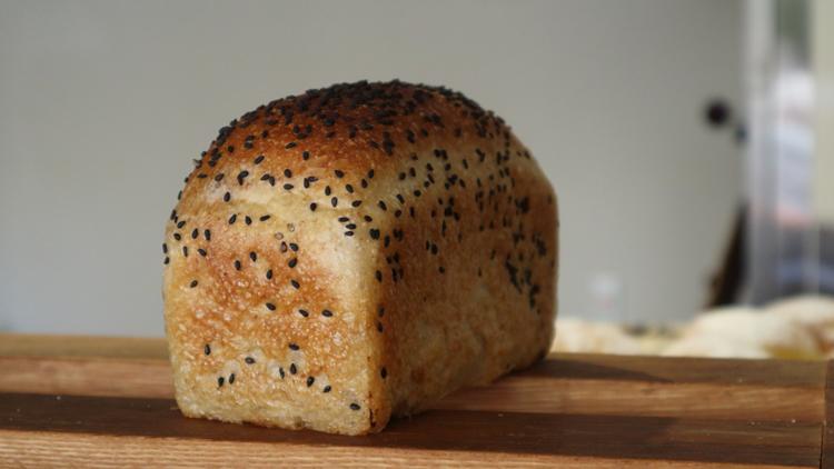 情熱のパン屋、故郷で新章へ。娘と考えた待望のメロンパン/かいじゅう屋