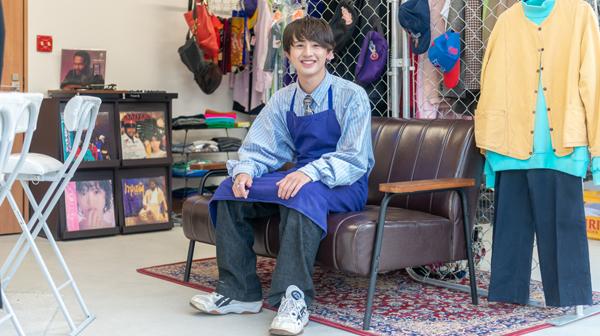 21歳学生がオーナー。ラベンダー色の店で服も食も