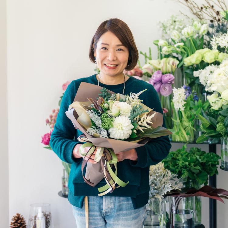 """あなたの毎日に、1本の彩りを 鎌倉の""""まちの花屋さん""""を目指す「CHIC FLOWER STAND」"""