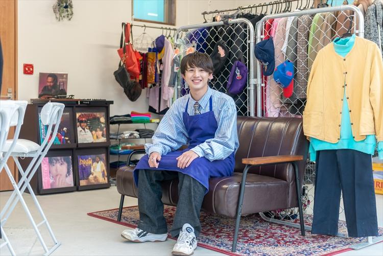 21歳の学生がオーナー。ラベンダー色の店に、服も夢も詰め込んで 「喫茶ジョー」