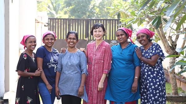 夫亡き後も、私がスリランカで布ナプキンを作る理由