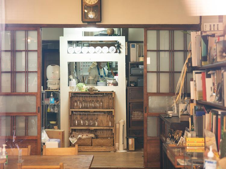 カンヌ公認写真家が営む古民家カフェ 「ケープルヴィル」