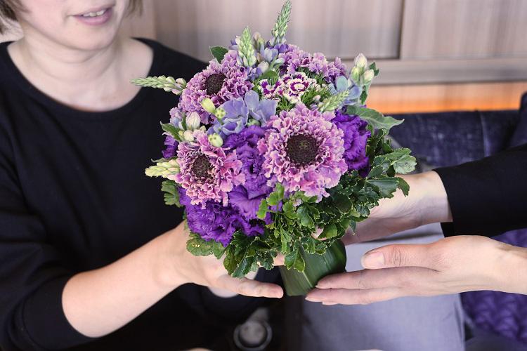花とスイーツの共演 東信×ピエール・エルメが贈る、五感で味わうホワイトデー・アフタヌーンティー