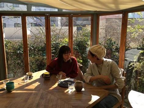 """野村友里さん「さようならとこんにちはの季節に、""""ともだち""""についてふと思う」"""