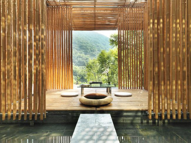 ハイアットが万里の長城の麓にホテルを開業。隈研吾氏ら日本人建築家3名を含む12名のアジア人建築家が設計