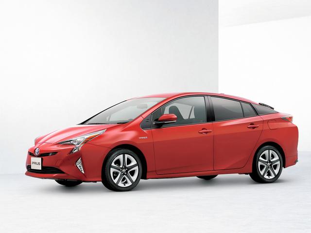 2015年12月に発売する次期「プリウス」。これまでのモデルのイメージを踏襲しながら、よりエッジの利いたデザインになった=トヨタ自動車提供