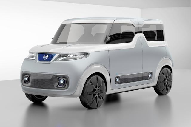 軽の電気自動車「テアトロ for デイズ」。「真っ白なキャンパス」のコンセプトで開発した=日産自動車提供