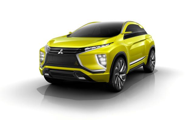 次世代の電気自動車システムを採用したコンセプトカー「MITSUBISHI eX Consept」。デザインは今後の三菱車の方向性を表している=三菱自動車提供