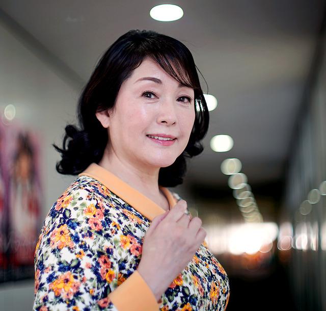 松坂慶子 「スミカスミレ」に出演 女優が面白くなった:朝日新聞デジタル