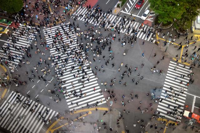 渋谷スクランブル交差点、「1回の横断3千人」を検証:朝日新聞デジタル