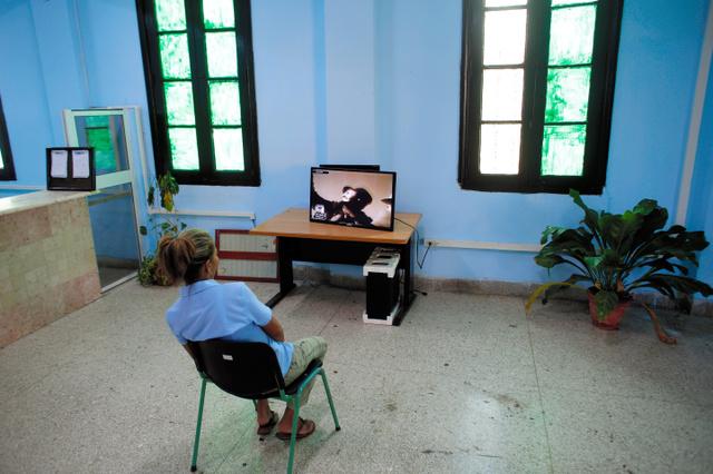 テレビであいさつもダメ 服喪のキューバ、市民「窮屈」:朝日新聞デジタル