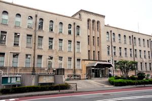 文化庁、全面移転先は京都府警庁...