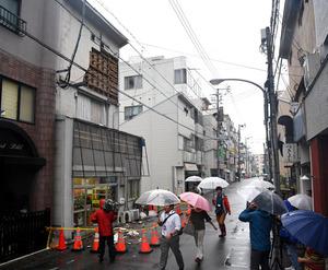 博多区で突風、壁が落下 福岡・...