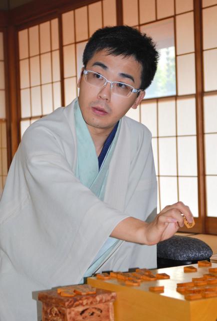 菅井七段、王位戦で初タイトル ...