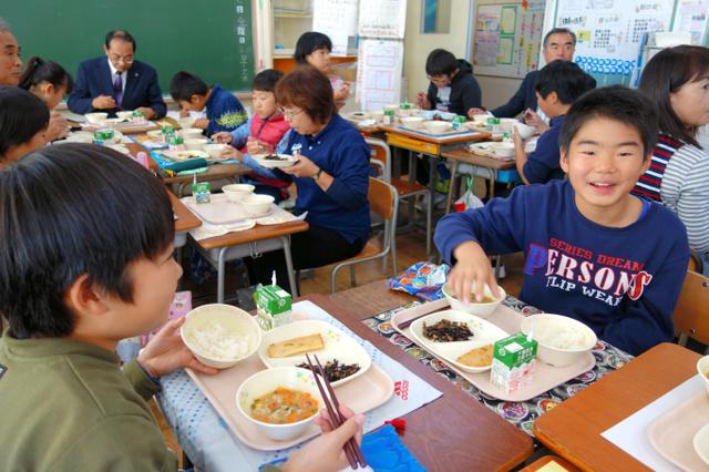 千葉)小中学校の給食のご飯 すべて有機米に いすみ市:朝日新聞デジタル