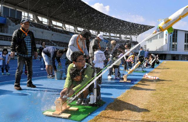 香川)3世代で楽しむ「ロケット...