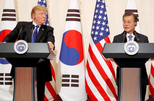 【和気あいあい】訪韓中のトランプ大統領、文大統領らと夕食会で日本では見せなかった満面の笑みへ ->画像>113枚