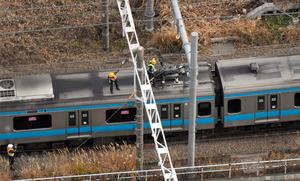 京浜東北線で架線切断、3列車停...