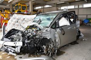 北陸道で衝突事故、子ども2人意...