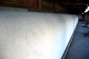 【朝日新聞】東本願寺の御影堂に落書き 世界最大級の木造建築 ->画像>12枚
