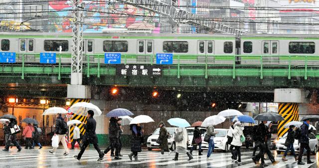 関東などで雪