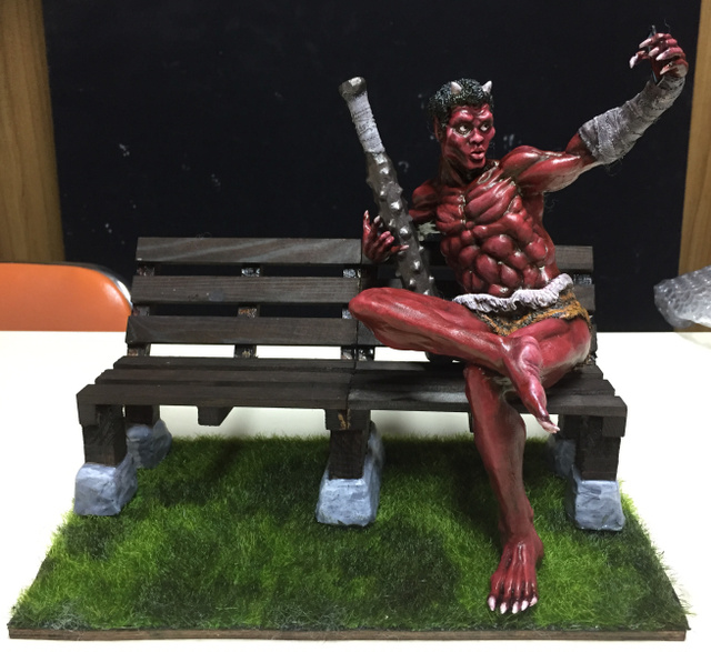 「妖怪」と座れるベンチ 不気味にインスタ映え 兵庫