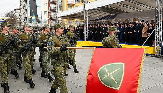 コソボ独立10年、現実の壁 貧困...