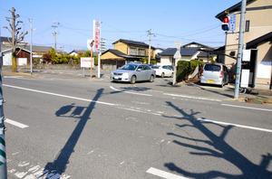 佐賀)横断歩道と白い中央線 予...