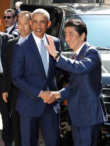 3a0fc0136efeb 約1時間半の会談後、安倍首相は記者団に「伊勢志摩サミット、広島訪問、パールハーバー訪問など、主に昔話について盛り上がった」と話した。