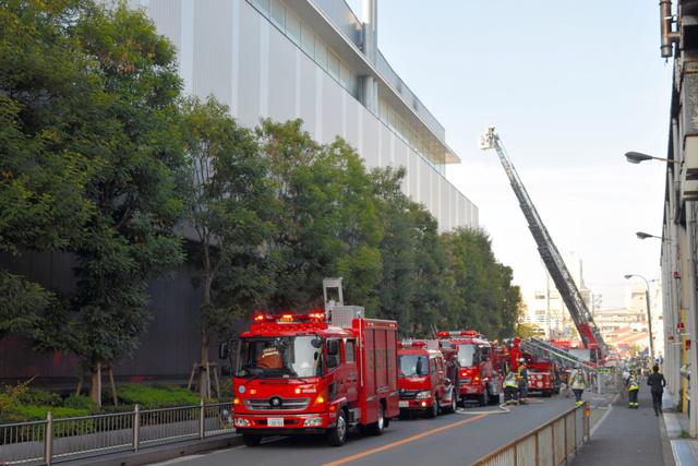 シマノ本社工場で火災、200人避難 堺