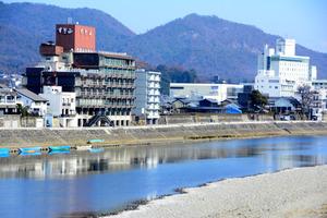 長良川温泉の供給停止、老朽化で...