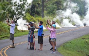 噴火のハワイ島で大きな地震頻発 1700人に避難命令