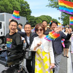 「稲田朋美 ゲイパレード」の画像検索結果