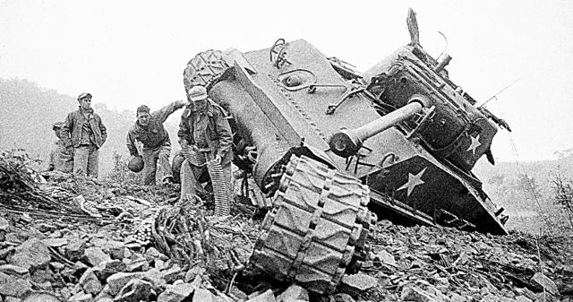朝鮮戦争に関するトピックス:朝...