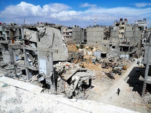 シリア空爆、塩素ガス使用の可能...